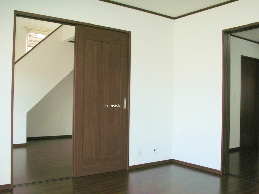 ロフト・サンルーム、そしてガレージのある戸建てアパート (八戸市田向)8