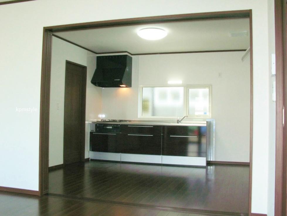 ロフト・サンルーム、そしてガレージのある戸建てアパート (八戸市田向)13