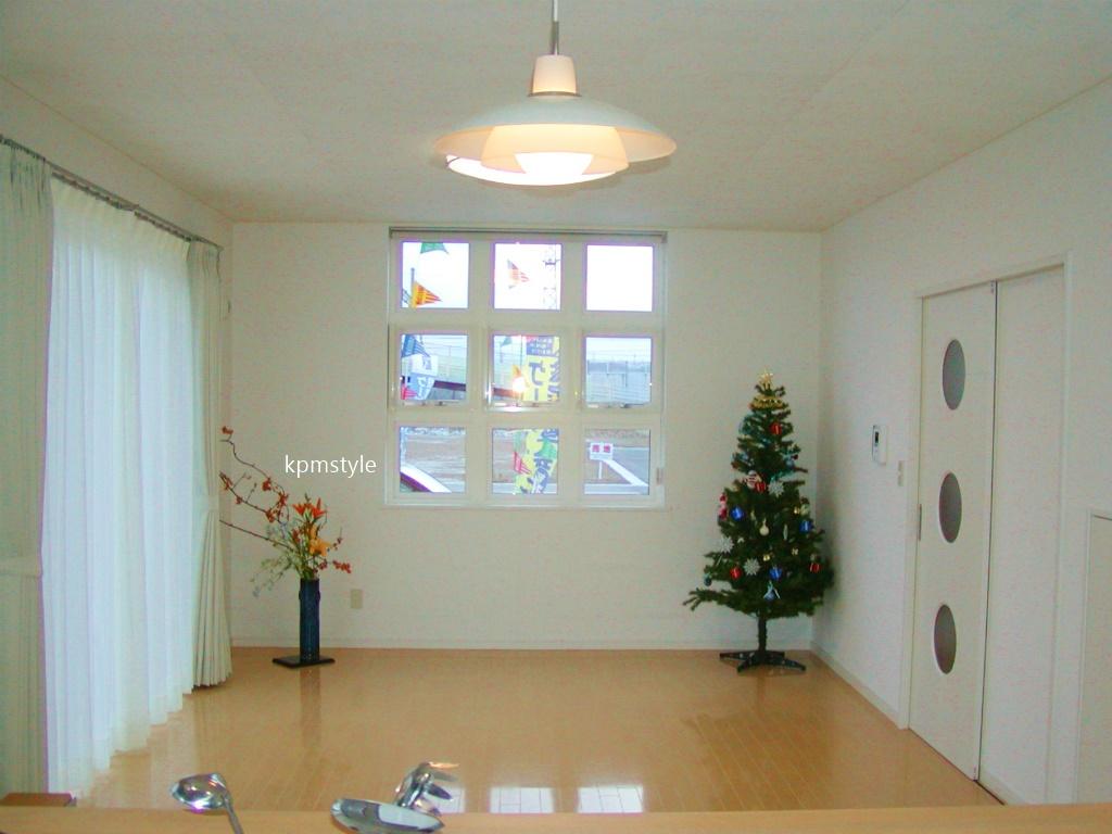 天窓からの光が優しく降り注ぐ床ガラスの家 (八戸市尻内町)17