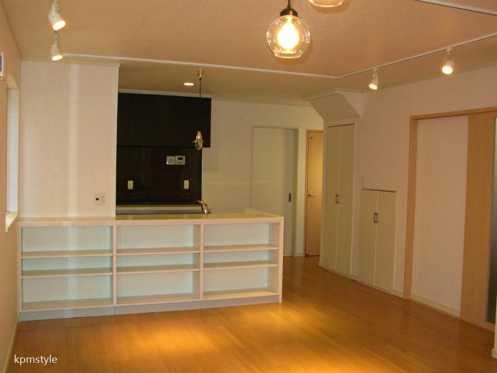 玄関にこだわりのコンクリートテイストのクロークがある家 (八戸市鮫町)5