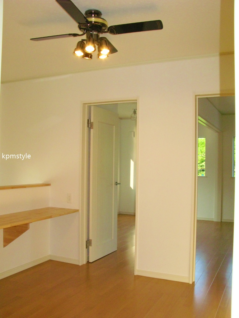 玄関にこだわりのコンクリートテイストのクロークがある家 (八戸市鮫町)17
