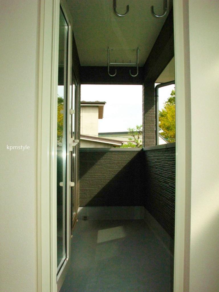 シックな黒い外壁の家 (八戸市妙)19