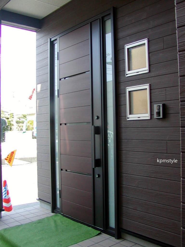 天窓と床ガラスが採光を考慮する家  (八戸市根城)2