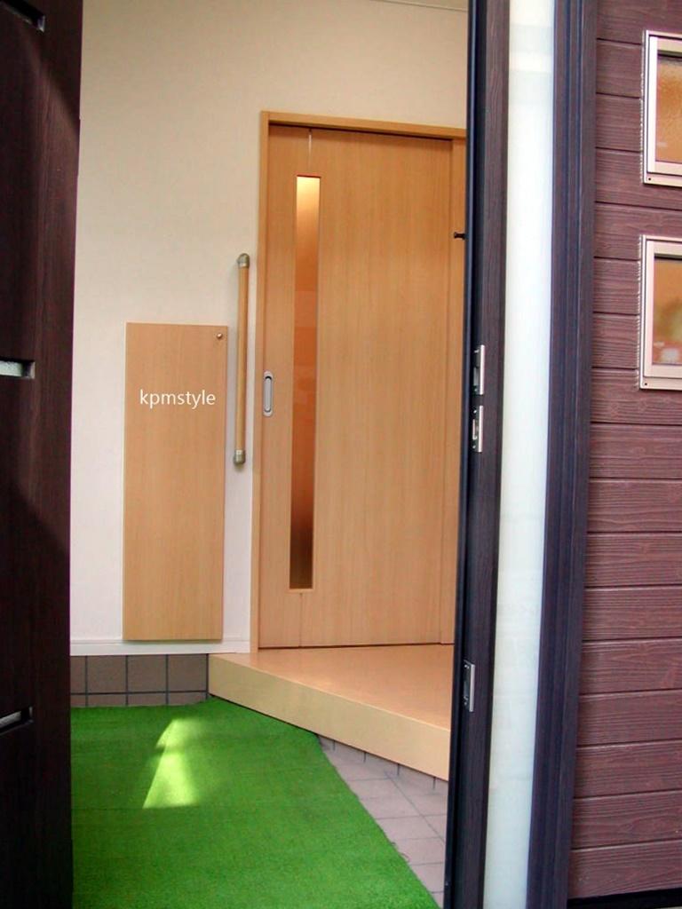 密集地でも天窓・床ガラスで、採光を考慮する家  (八戸市根城)3