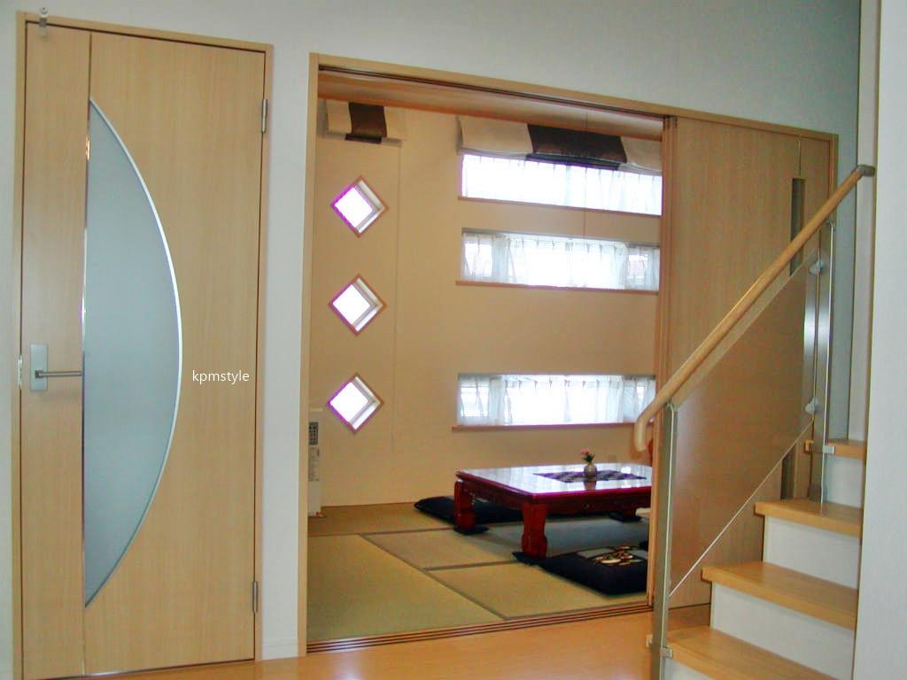 密集地でも天窓・床ガラスで、採光を考慮する家  (八戸市根城)7