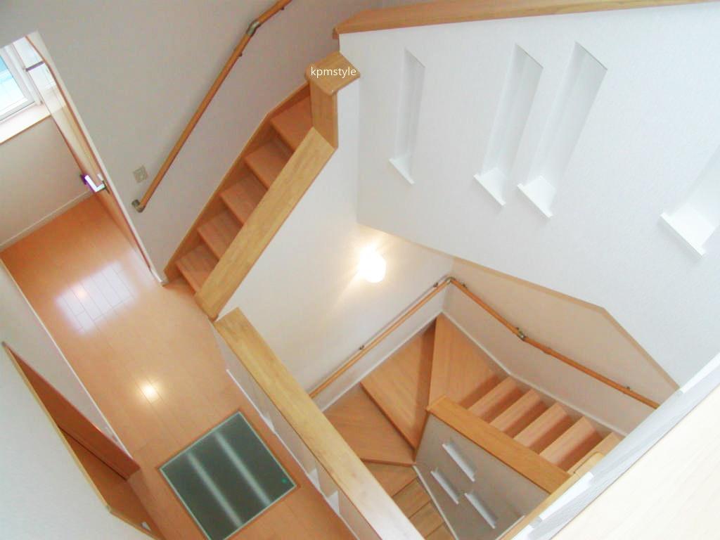 密集地でも天窓・床ガラスで、採光を考慮する家  (八戸市根城)15