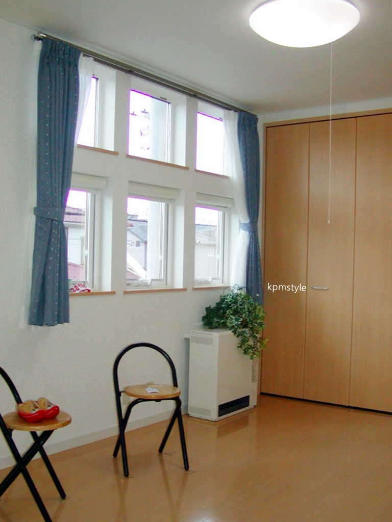 密集地でも天窓・床ガラスで、採光を考慮する家  (八戸市根城)16