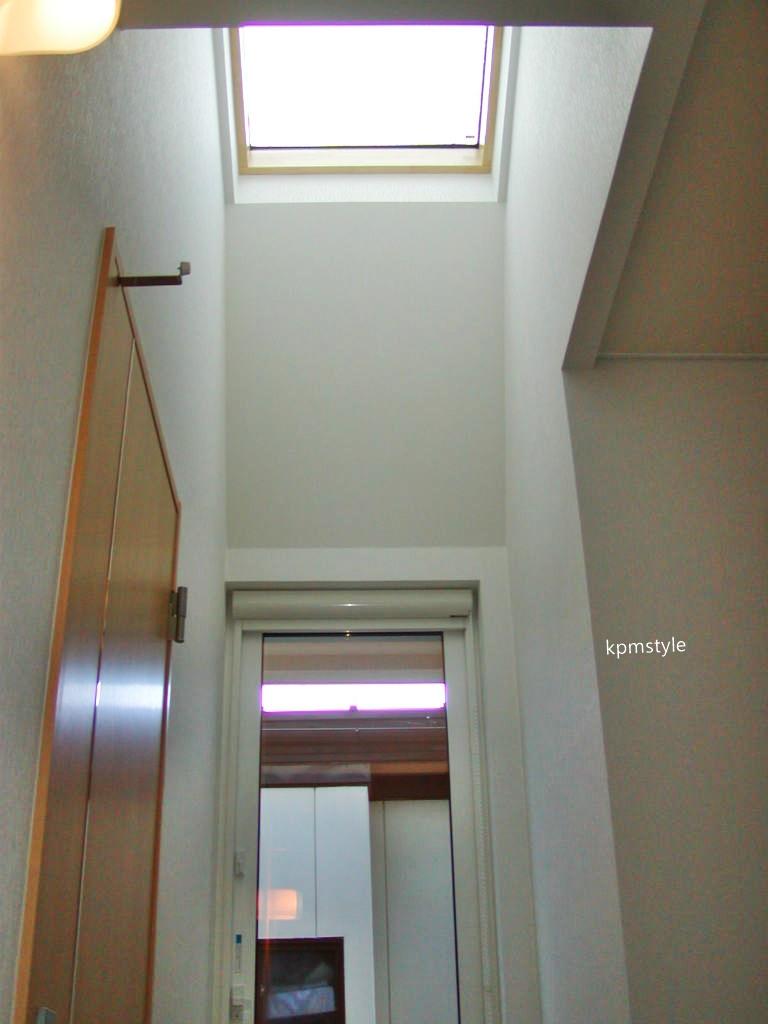 天窓と床ガラスが採光を考慮する家  (八戸市根城)18