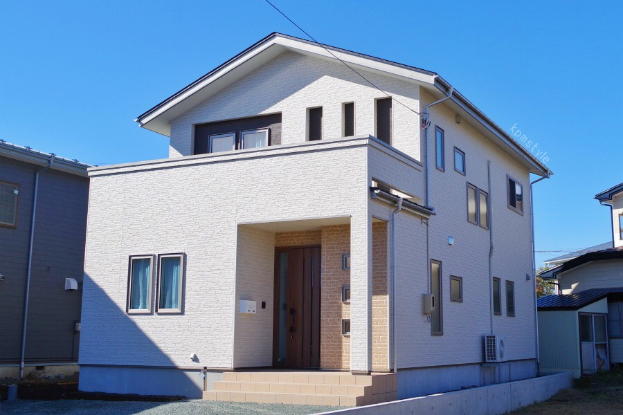 LDKに趣味のスペースがある家   (八戸市新井田)