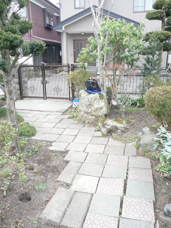 H様邸 アプローチ・門・フェンス2