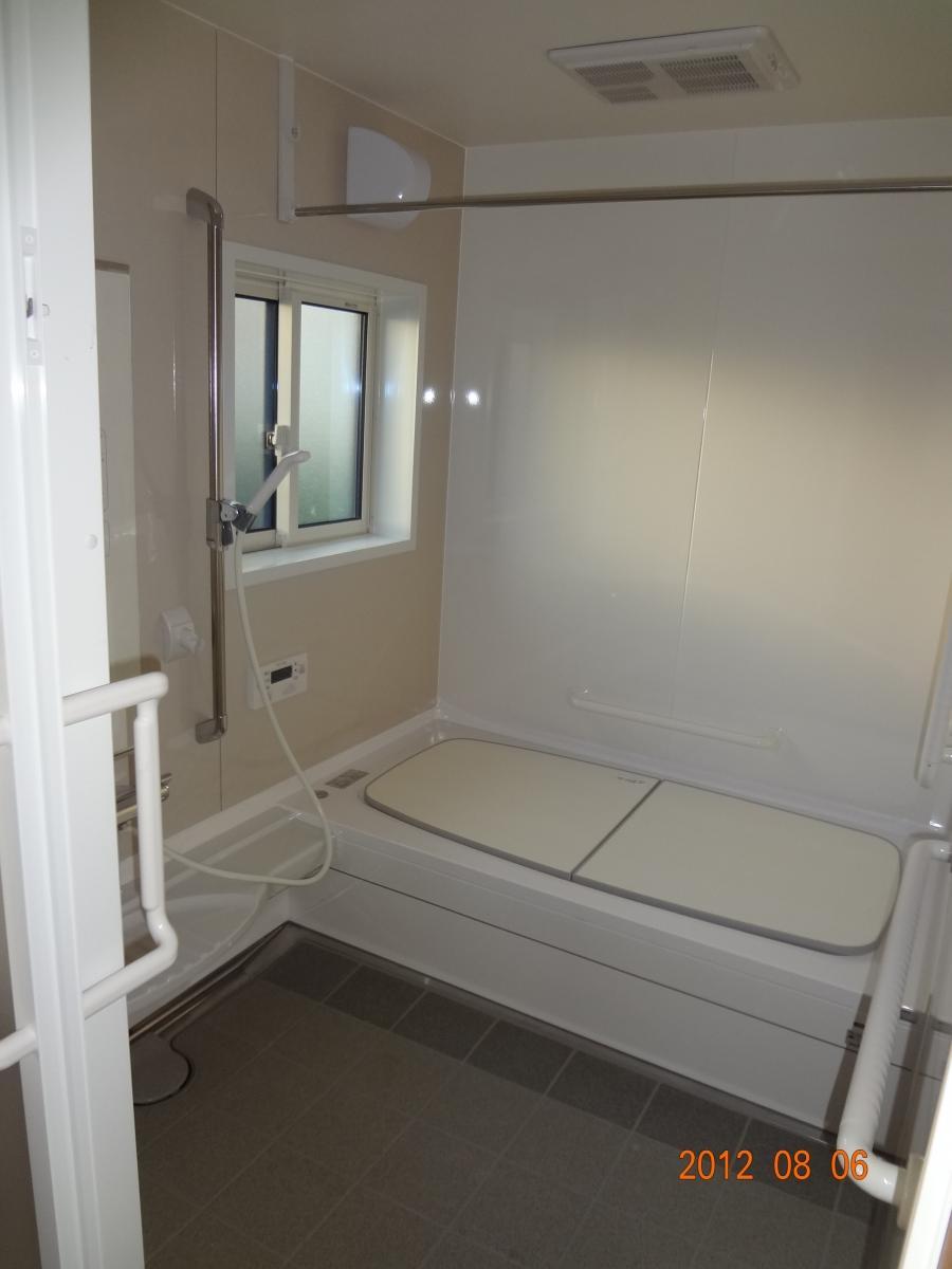 O様邸 洗面所、浴室リフォーム エコキュート5
